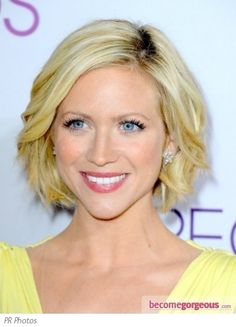 chin length bob-shapely waves. Wish I could get my hair to look like this.