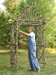 Step by step instructions on how to make a twig arbor. Tells u how many twigs of each length & materials needed + has pictures w instructions.
