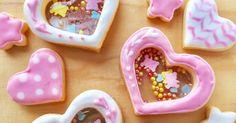 振るとシャカシャカと音のする可愛いクッキーです(*´꒳`*) ステンドグラスクッキー+アイシングクッキーの応用編です!