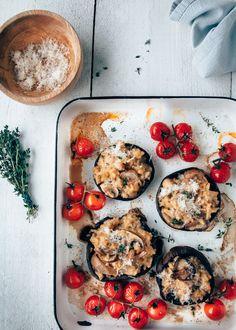 Super lekker vegetarisch recept voor gevulde Portobello's. Met een heerlijke romige paddestoelen kaas risotto. Klik hier voor het recept.