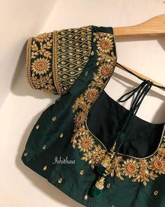 This bottle green beauty ! Stunning bottle green color designer blouse with floret lata design hand embroidery gold trhead and kundan work. ping on 9884179863 to book an appointment. Hand Work Blouse Design, Pattu Saree Blouse Designs, Simple Blouse Designs, Stylish Blouse Design, Fancy Blouse Designs, Choli Designs, Bridal Blouse Designs, Blouse Neck Designs, Aari Work Blouse