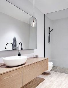 bright minimalist bathroom decor
