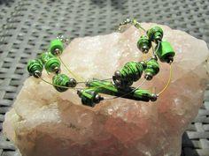 UPCYCLING Armband Papierperlen - Braclet paperbeads - einzigartig - grün - Armschmuck von brisartbri auf Etsy