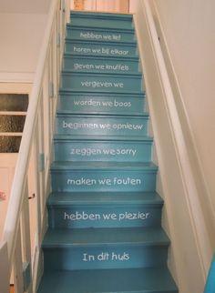 Dit noemen we nou nog eens een toffe trap. Elke dag even herinnert worden aan de regels in huis Gepind door: www.opvoedproducten.nl