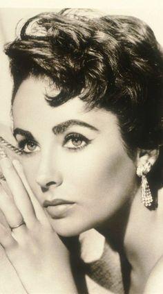 Livro de História: Elizabeth Taylor (1932-2011) - Personalidades - Vogue Portugal