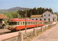 Cornimont. - Ligne de Remiremont à Cornimont - Autorail Caravelle en gare en 1989.JPG