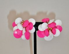 Vintage Mod Lucite Earrings 60's Bright Pink & White Cluster Clip Dangles Retro Runway  Statement