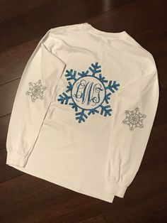Excited to share the latest addition to my shop: CHILDREN'S YOUTH GIRL Christmas / Winter Snowflake Elbow Patch Monogrammed Holiday T-Shirt - Customized Glitter or Regular - Many Colors Monogram T Shirts, Vinyl Shirts, Personalized T Shirts, Monogrammed Ideas, Girls Christmas Shirts, Shirts For Girls, Christmas Sweaters, Christmas Monogram Shirts, Christmas Items