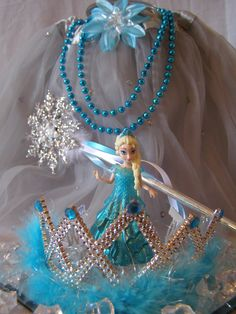 Frozen Springtime Party Ideas. New Crystal Ice Party to Go Box from My Princess Party to Go. http://www.myprincesspartytogo.com/QueenFrostine.html  #frozenpartyideas #princesspartyideas