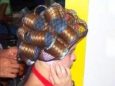 Sleep In Hair Rollers, Hair Curlers Rollers, Bobe, Hair Beauty, Hair Styles, Roller Set, Coiled Hair, Tangled, Rollers In Hair