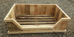 Dog bed from an old pallet