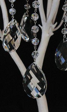 http://www.beadshop.com.br/?utm_source=pinterest&utm_medium=pint&partner=pin13 Wedding Crystal Prisms
