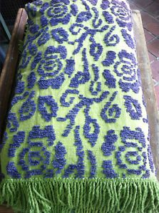 GORGEOUS VTG CHENILLE BEDSPREAD BLANKET THROW ROSE PURPLE GREEN FLOWERS 102 X 97