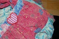 Lieblingskleider reparieren: Upcycling Tipps #2 • Mami rocks Rock, Backpacks, Bags, Fashion, Little Dresses, Sad, Repurpose, Tutorials, Handbags