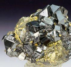 Sphalerite var. Marmatite with Pyrrothite - Trepca mine - Mitrovica - Kosovo