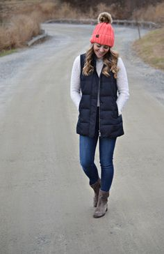 Jackie from @7thandwillow bundles up in her J.Jill highland park long down puffer vest.