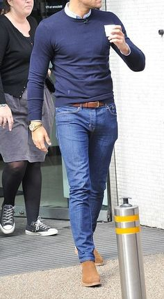 Trendy Mens Fashion, Mens Fashion Suits, Stylish Men, Fashion Menswear, Outfit Hombre Casual, Casual Outfits, Winter Outfits Men, Denim Shirt With Jeans, Denim Shirts