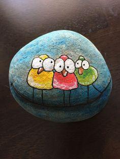 ✓ 50 Best Animal Painted Rocks for Beginner Rock Painters Rock Painting Patterns, Rock Painting Ideas Easy, Rock Painting Designs, Paint Ideas, Pebble Painting, Pebble Art, Stone Painting, Stone Crafts, Rock Crafts