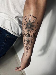Viking Compass Tattoo, Viking Tattoo Sleeve, Viking Tattoo Symbol, Norse Tattoo, Celtic Tattoos, Forearm Tattoo Quotes, Cool Forearm Tattoos, Hand Tattoos, Viking Tattoos For Men