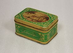 beautiful tin box 50s vintage metal box by VintageUA on Etsy, $17.00