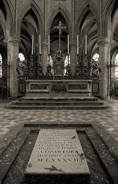 Tomb of William the Conqueror in Abbaye-aux-Hommes, in Caen, Normandy. William I, also known as William the Conqueror (Guillaume le Conqu�rant), was the first Norman King of England from Christmas 1066 until his death. He was also Duke of Normandy from 3 July 1035 until his death, under the name William II. [He & wife, Matilda Flanders, are my ancestors.. BK Thigpen]
