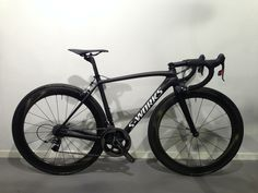 S-Works Tarmac: slammed and blacked-out