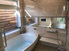 いいね!502件、コメント9件 ― choko_chaさん(@choko_cha815)のInstagramアカウント: 「お風呂と坪庭 sazana 壁パネルは オーソドックスな大理石の柄の 「ビスクトラバーチン」 ホテルライクな浴室をイメージして☺️ お庭を眺めながら浸かりたいって旦那さんの要望で…」