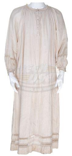 Wendy Darling 2003   Peter Pan (2003) / Wendy's Nightgown (Rachel Hurd-Wood)   ScreenUsed ...