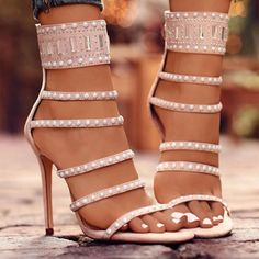 Best High heels this summer for party and weddings. Super comfortable heels Classy Heels shoes at Chellysun. Prom booys cute unique heels, vintage strappy low heels and casual heels from shoes designer Source by onchellysun Shoes Heels Wedges, Peep Toe Heels, Pump Shoes, Stiletto Heels, Shoe Boots, High Heels, Heeled Sandals, Sandals Outfit, Women's Shoes