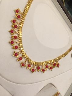 Coral necklace 17 Gms
