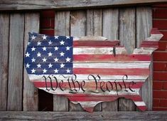Wood American Flag Rustic American Flag Shape of America USA Pallet Flag, Wood Flag, Diy Wood Projects, Wood Crafts, House Projects, American Flag Wood, American Pride, Memorial Day Flag, Patriotic Decorations