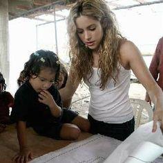 Shakira inaugura un colegio en Colombia | NOTICIAS AL TIEMPO