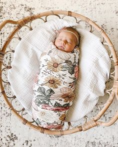 NEWBORN FEVER, ANYONE?? 😍 Retro-meets-boho floral vibes and we can dig it! Shop this design in swaddle blanket or crib sheet. 📸: @verenapenner7 Baby Swaddle, Swaddle Blanket, Newborn Photo Props, Newborn Photos, Muslin Baby Blankets, Cute Wild Animals, Cute Costumes, Baby Wraps, Project Nursery