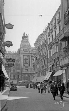 Foto Madrid, Louvre, Building, Travel, Vintage Photography, Sky, Black And White, Viajes, Historia