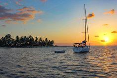 Slik kan du seile under solen i ferien Under Solen, Skiathos, Bavaria, Belize, Celestial, Sunset, Outdoor, Catamaran, Outdoors