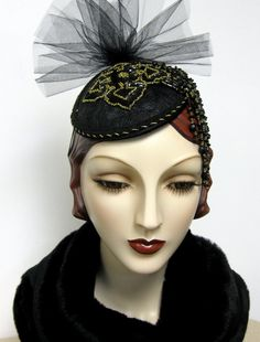 Black and Gold Cocktail Fascinator by OrsiniMedici on Etsy