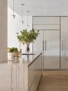 Mini Orb Pendant Brass, Matte White Interior by Yael Weiss Interiors Minimalist Apartment, Minimalist Room, Minimalist Home Interior, Modern Minimalist, Minimalist Design, Minimal Decor, Modern Decor, Rustic Modern, Modern Classic