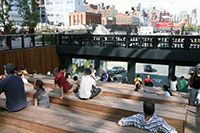 Zicht op 10th Avenue, High Line, New York City