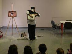 Pierrot si è intrufolato nella sala del restauro...cosa combinerà? Maschere d'arte al Museo di Arte Moderna Mario Rimoldi a Cortina d'Ampezzo.