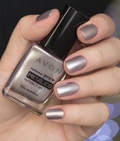 Head over Heels - Nail Art Love Nails, Pretty Nails, Avon, Essie, Nail Fungus, Nail Polish Colors, Nail Arts, Manicure And Pedicure, Nails Inspiration