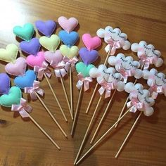 Ideas de decoración con lluvia de amor Party Gifts, Diy Gifts, Party Favors, Felt Crafts, Diy And Crafts, Crafts For Kids, Cloud Party, Girl Birthday, Birthday Parties