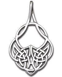 Cool Celtic design that sort of reminds me of the Assassin's Creed insignia.