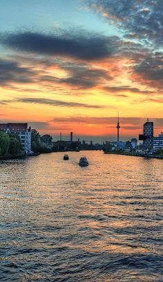 7 Reasons Why I Love And Hate Berlin (Germany) Photo © Dagmar Jedrisko @Just1WayTicket
