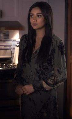 Pretty Little Liars: Burn This — You Know You Love Fashion