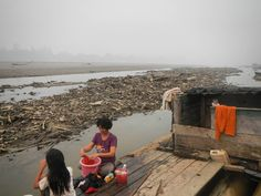 Sungai Mahakam mengering di Kapung Keliwai, Kutai Barat, Kaltim saat Musim Kemarau tahun lalu. Mahakam River dries up in Dry Season in Keliwai Village ( East Borneo/Indonesia) last year. #amazing #moment #moments #keliwai #village #longiram...