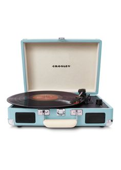 Enjoy vinyl sound and mobile convenience with the Crosley Radio Cruiser portable turntable. This three-speed, briefcase-style turntable lets you experience the sound of vinyl wherever you want to hear it. Radios, Blue Home Decor, Vintage Home Decor, Vintage Stil, Vintage Love, Retro Vintage, Retro Baby, Vintage Music, Vintage Industrial