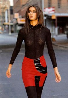 Guess who this lovely model is ? .... Read more here:  http://www.getnetworth.com/susan-holmes-mckagan-net-worth/