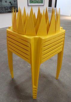 "Super fun este compacto ""Coliseo"" de plástico, de Gabriel Acevedo Velarde!"