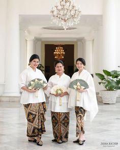 Batik Kebaya, Kebaya Dress, Indonesian Kebaya, Javanese Wedding, Model Kebaya, Akad Nikah, Muslim Hijab, Native Style, All About Fashion