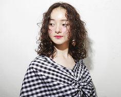 パーマ Short Curly Hair, Curly Hair Styles, Perm, Hair Designs, Hair Inspiration, New Look, Make Up, Hairstyle, Eyes
